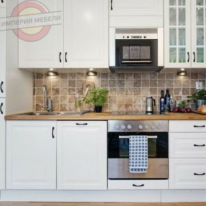 Кухня прямая линейная, маленькая, белая